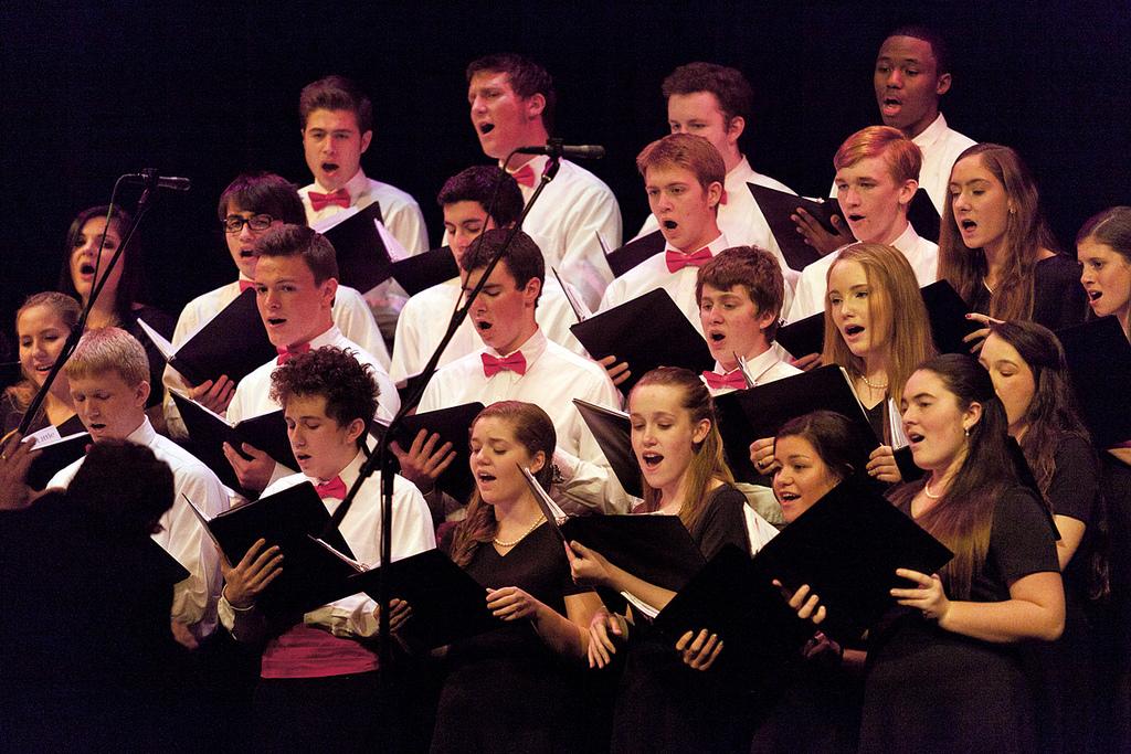 Chorus performs at Malvern Victorian Christmas celebration