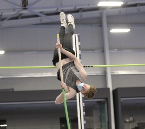 Max Robinson '22 vaults to victory